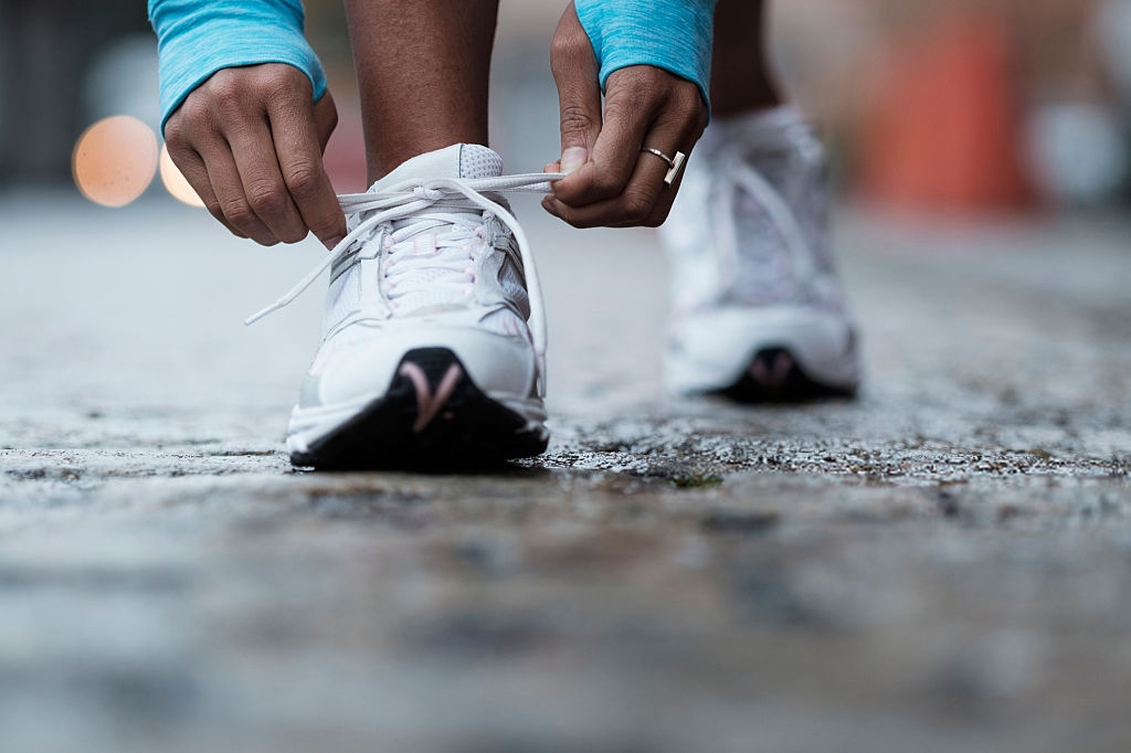 How To Choose The Best Walking Shoes For Flat Feet